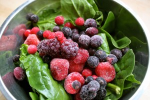 spinach-and-frozen-berries