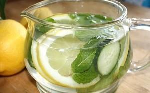 напиток-лимон-мята-и-огурец