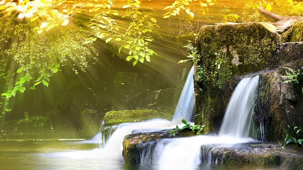 Nature___Waterfalls_Waterfall_in_the_sun_042060_