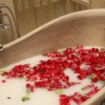 5 рецептов чудесных ванн для неуютного сезона