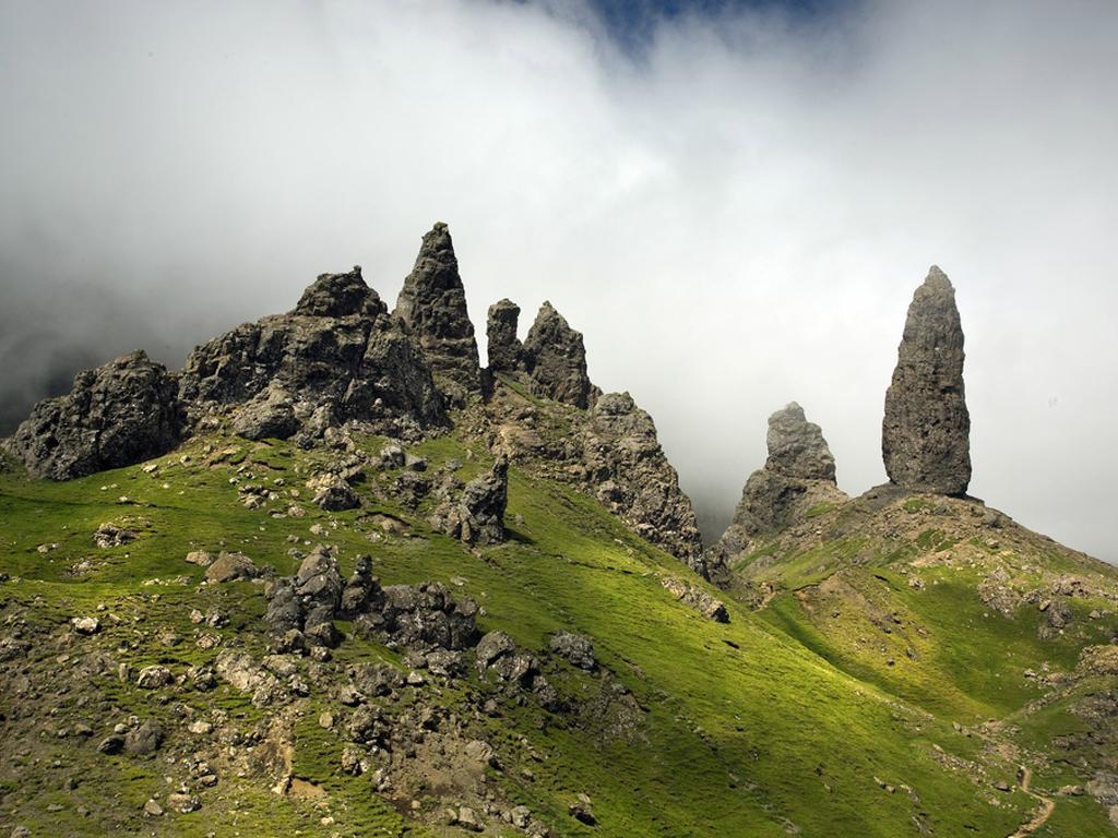 Mist-on-Storr-Ridge-Trotternish-Peninsula-Isle-of-Skye