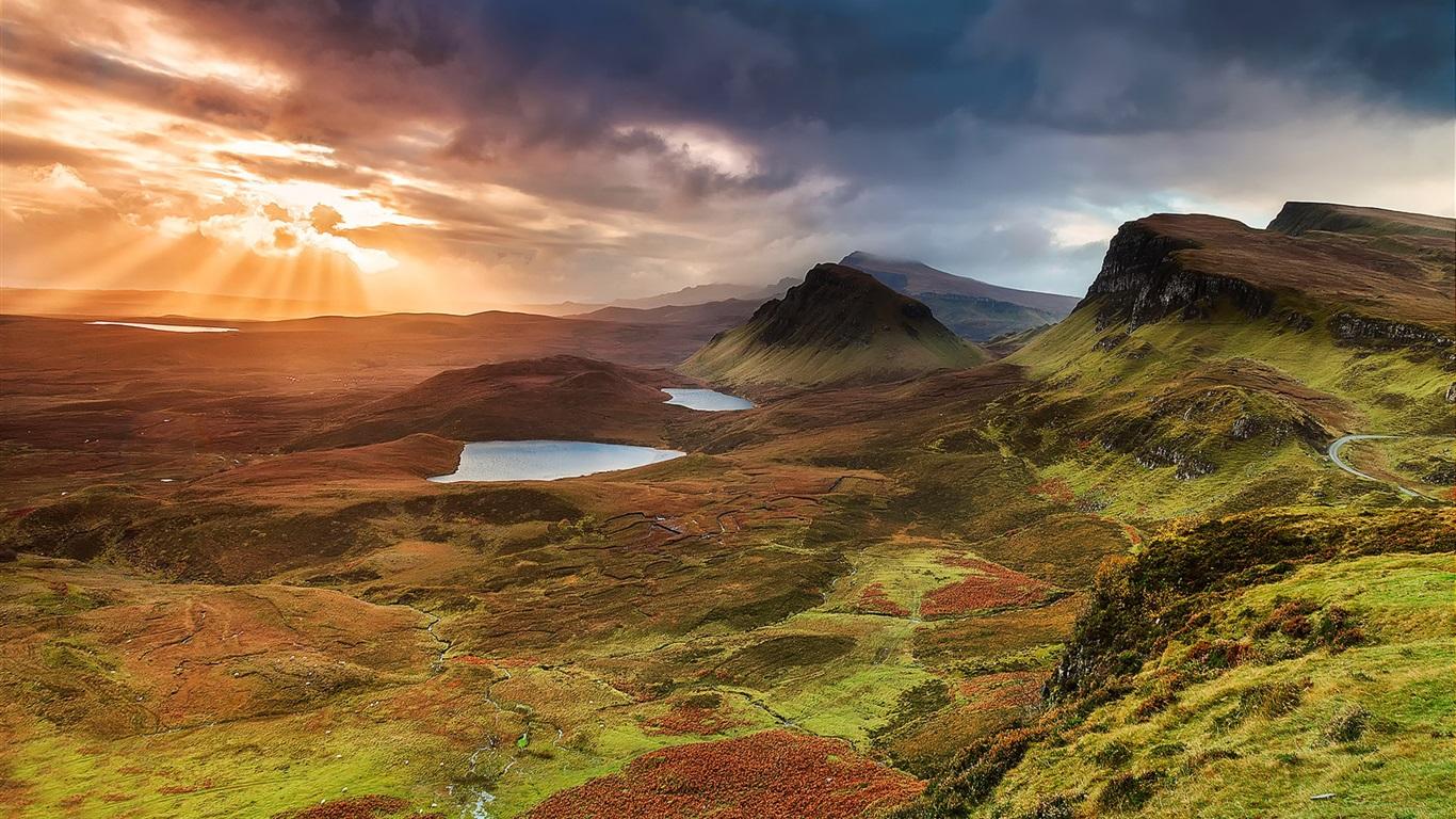 Scotland-Isle-of-Skye-hills-mountains-lake-sunset-clouds_1366x768