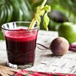 Как справиться с симптомами ПМС с помощью витаминок, минералок и сока. Рецепт